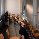 Foto Stuhl-Belastungstest Tobias testet